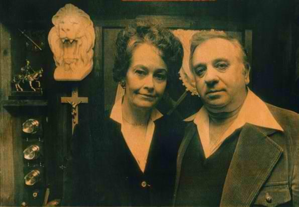 「ウォーレン夫妻」の画像検索結果
