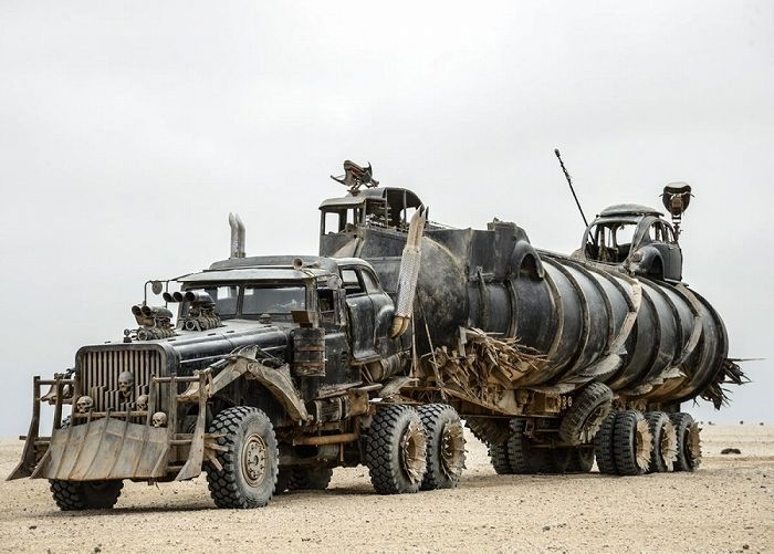 a2015-5-18war-rig-mad-max-fury-road2